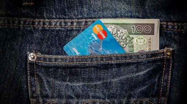 Sprawdź, na co musisz zwrócić uwagę, biorąc kredyt na 50 tysięcy złotych