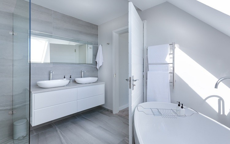 Jak urządzić łazienkę w bloku z wielkiej płyty?