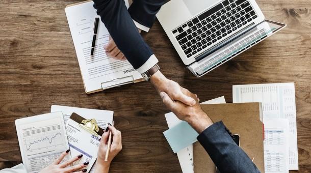 Kursy językowe dla firm – szansa na międzynarodową współpracę