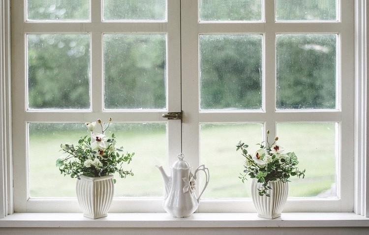 Jakie kleje do produkcji okien zagwarantują wytrzymałość?