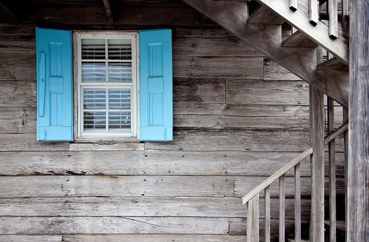 Jakie właściwości muszą posiadać kleje do produkcji okien?