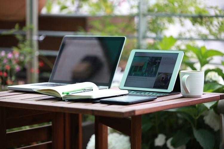 Tanie laptopy – co można znaleźć w sklepach