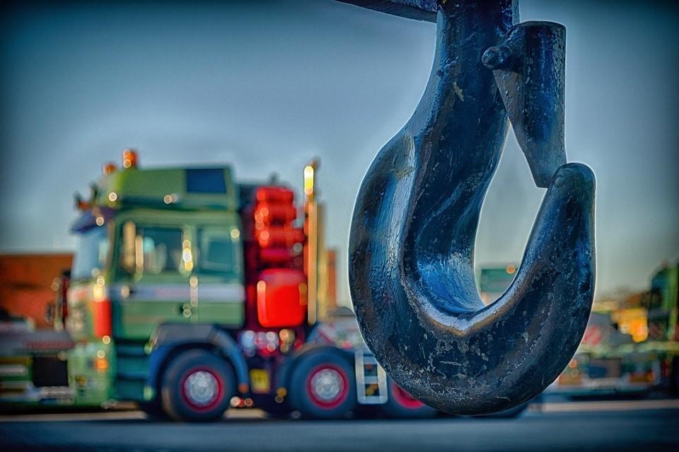 Leasing ciągnika siodłowego dla nowej firmy - jak dokumenty musisz przygotować