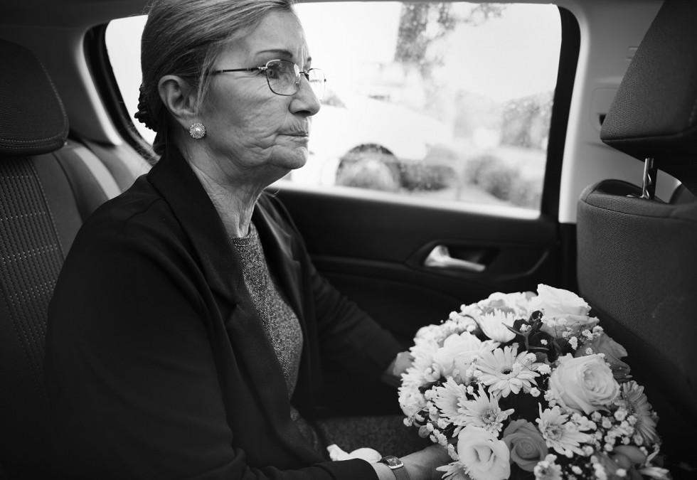 Wiązanki pogrzebowe – jak wybierać dekoracje na grób bliskich?