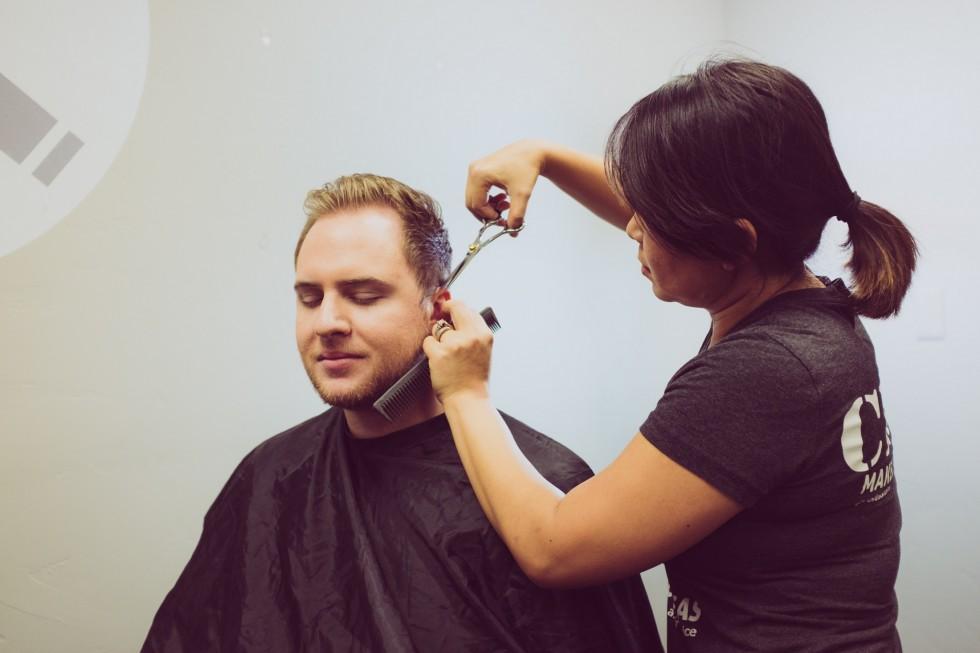 Problemy z włosami? Bez profesjonalnego fryzjera się nie obędzie