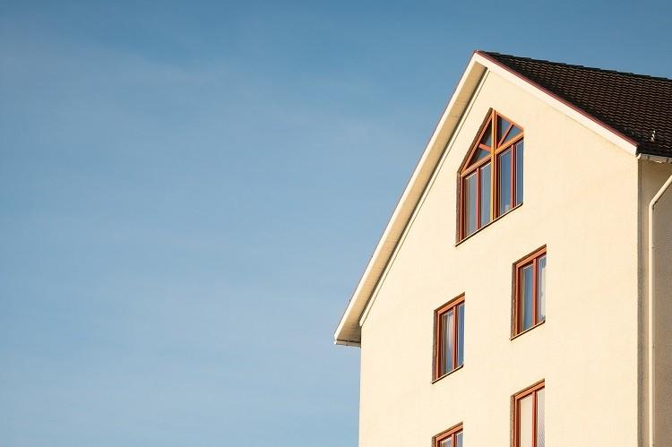 Docieplanie stropodachu – jak wpływa na komfort termiczny w budynku?
