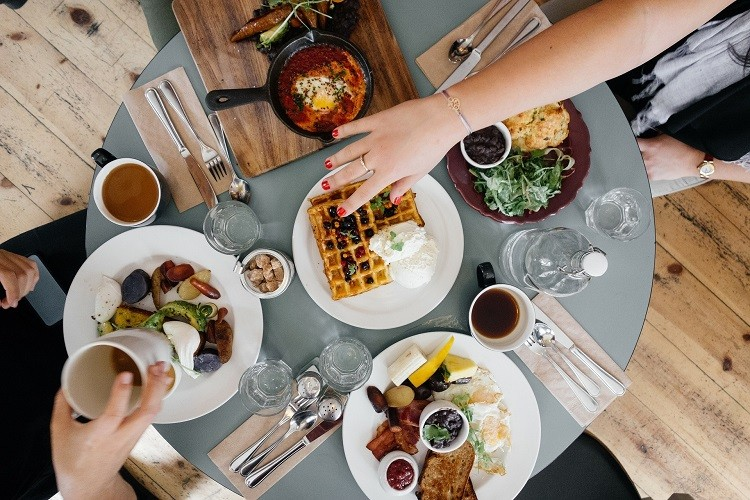 Jak znaleźć ciekawe restauracje w swojej okolicy? Co warto wziąć pod uwagę?
