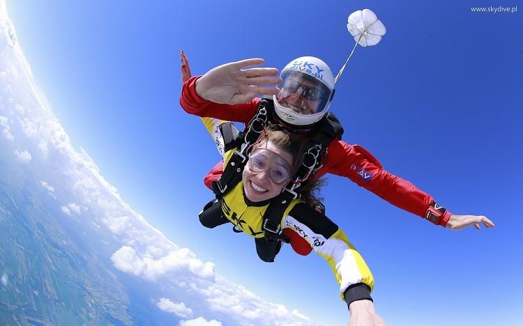 Skok ze spadochronem? Zrób to już w ten weekend!