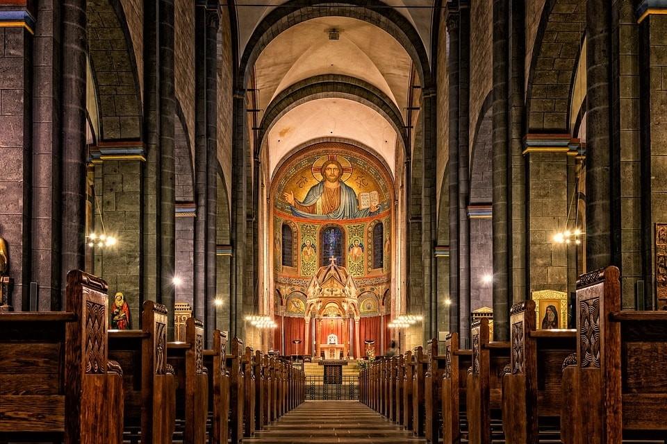 Z czego czerpać wiedzę o chrześcijaństwie?