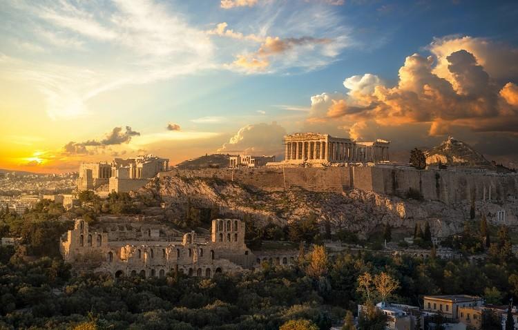 Grecja Last Minute na długi weekend czerwcowy. Co warto zwiedzić?