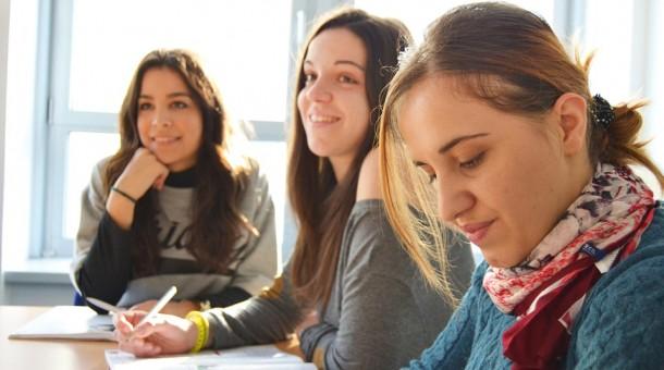Sprawdź dlaczego warto zapisać się na odpowiedni kurs językowy