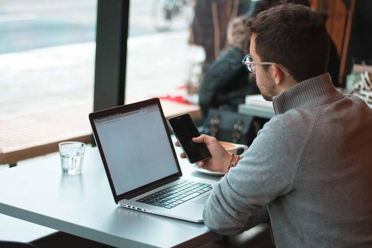 Porównywarka ubezpieczeń online – zalety i korzyści