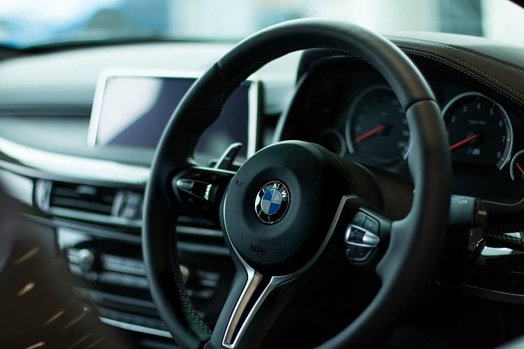 Ubezpieczenie auta z zagranicy - co musisz wiedzieć?