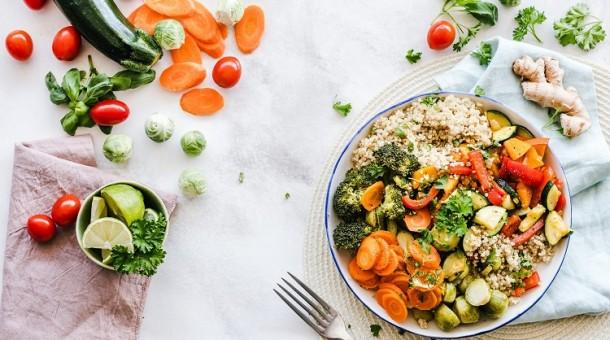 Jak wybrać catering dietetyczny?