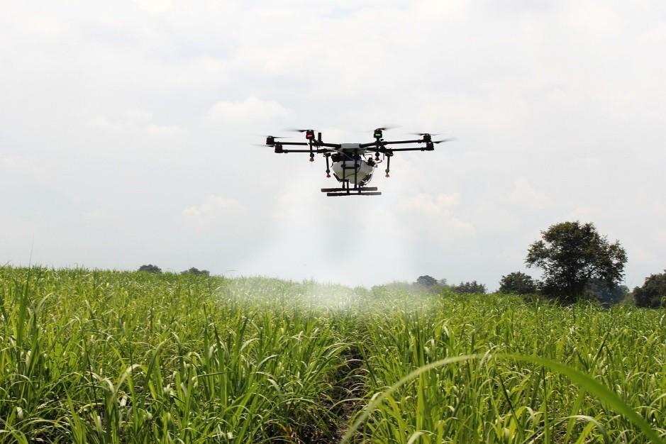 Jak uzyskać uprawnienia do obsługi drona?