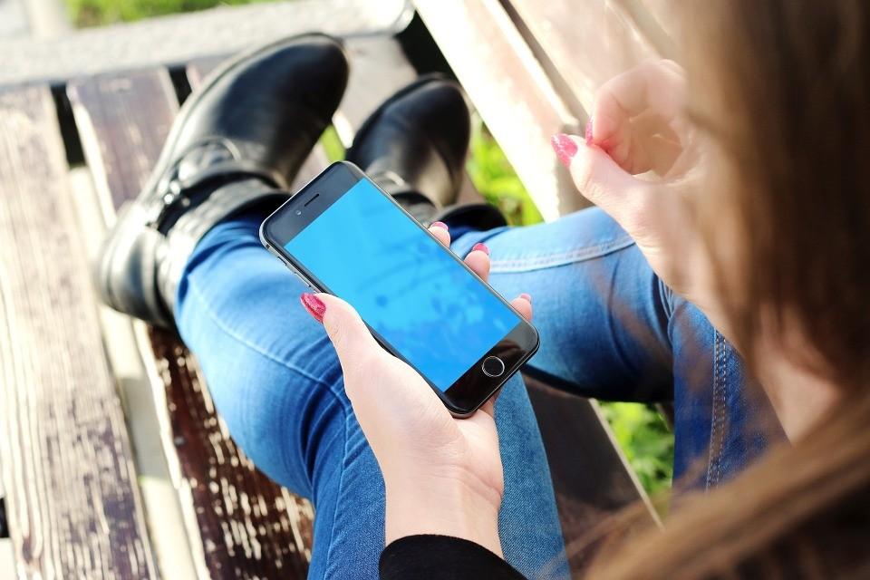 Naprawa iPhone'a - gdzie szukać pomocy?
