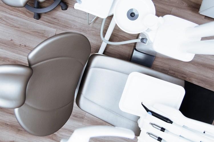 Gabinet stomatologiczny – jak wybrać najlepszy? Sprawdzamy!