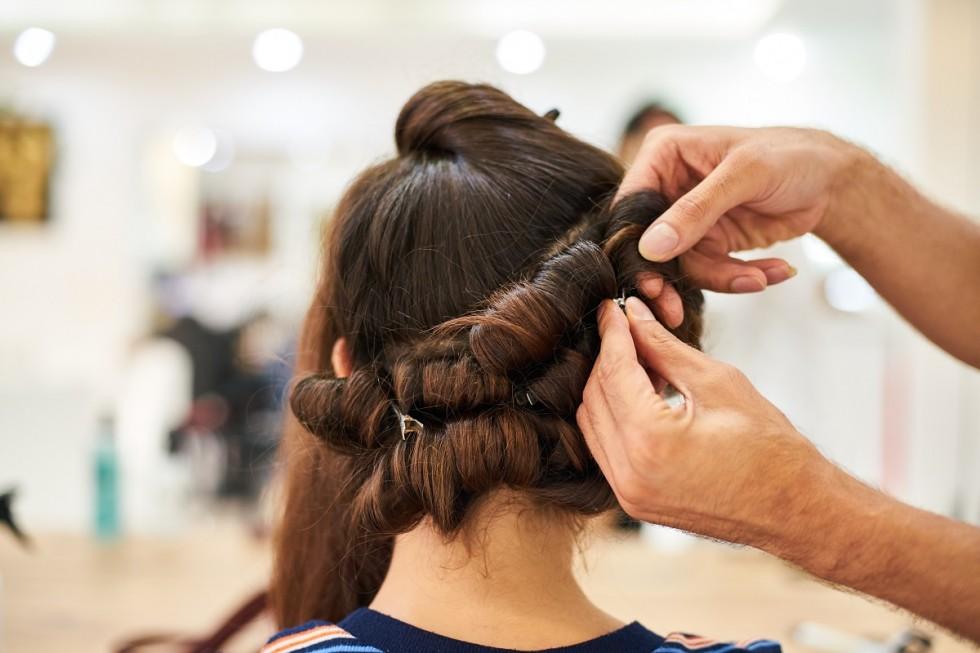 Jak wybrać najlepsze usługi fryzjerskie?