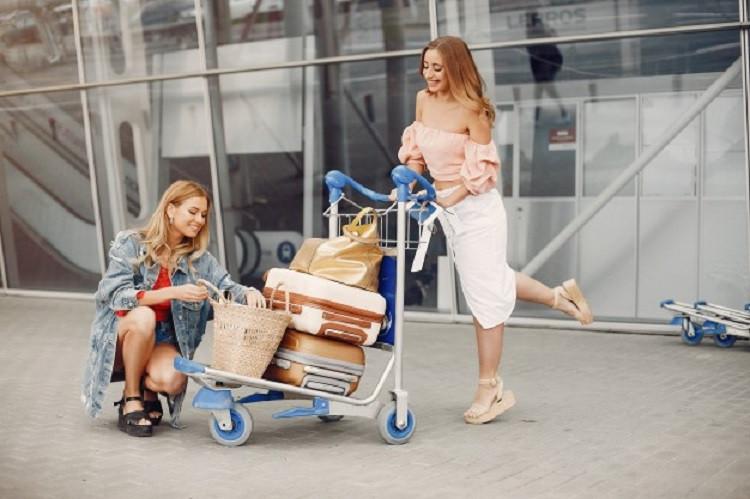 Jak dobrze wybrać taxi bagażowe w mieście?