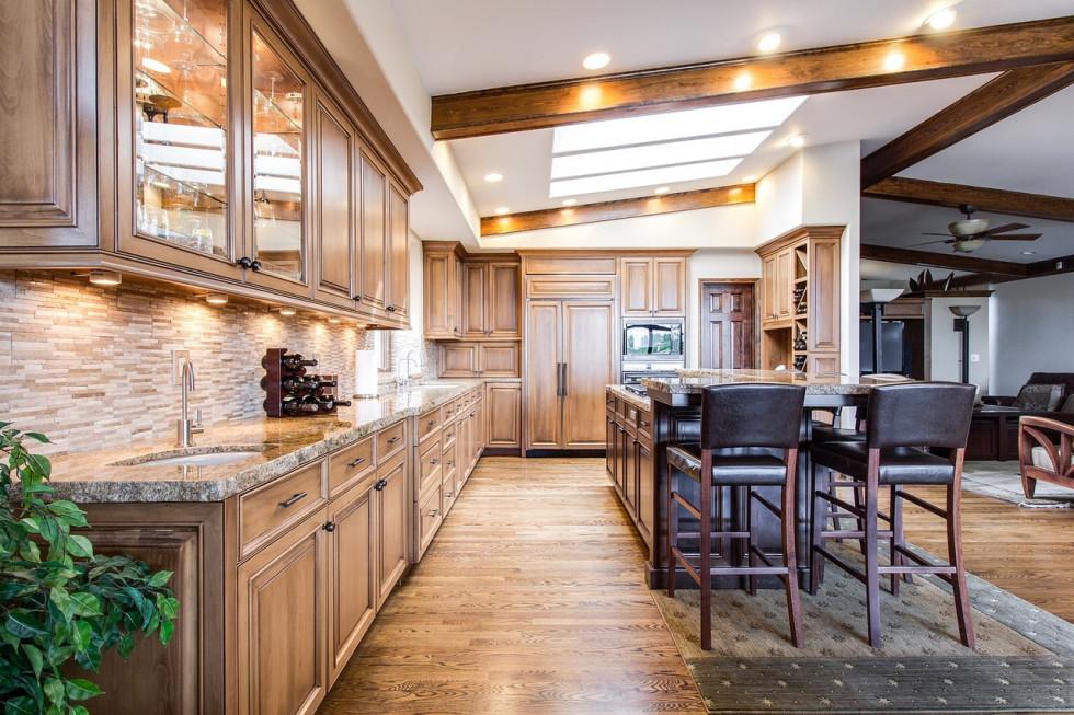 Jak kreatorem online zaprojektować szafki kuchenne na wymiar?