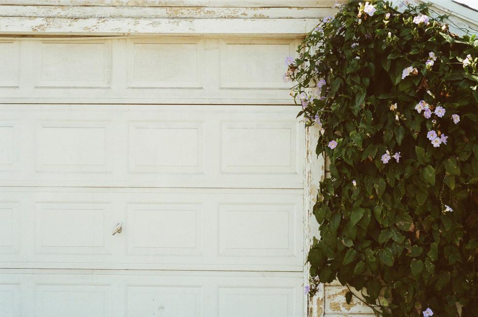Uszczelki do bram garażowych – co warto wiedzieć?