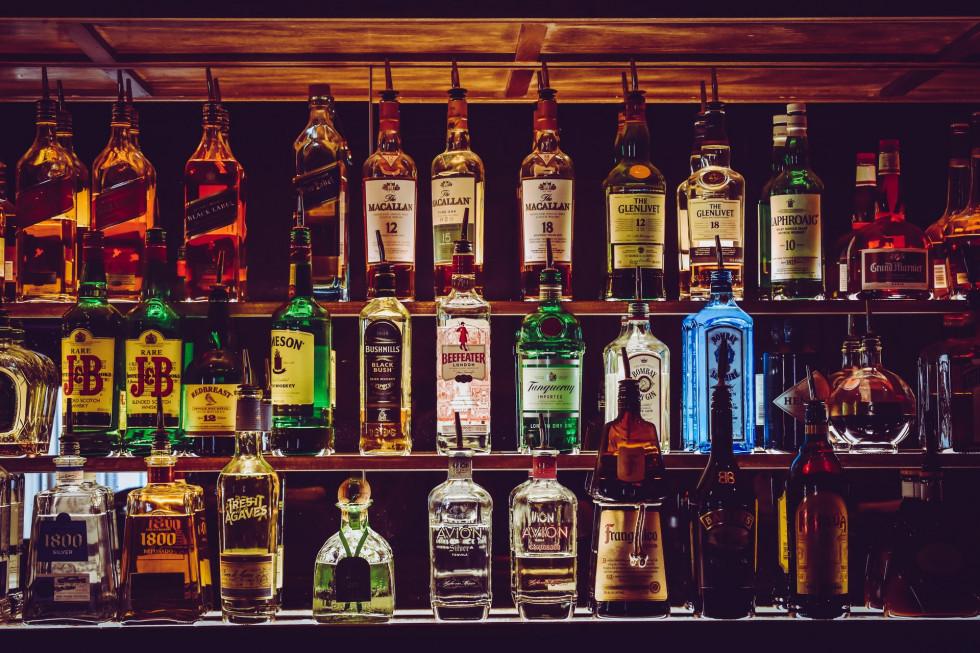 Blended whisky – jak powstaje jej szkocka odmiana?