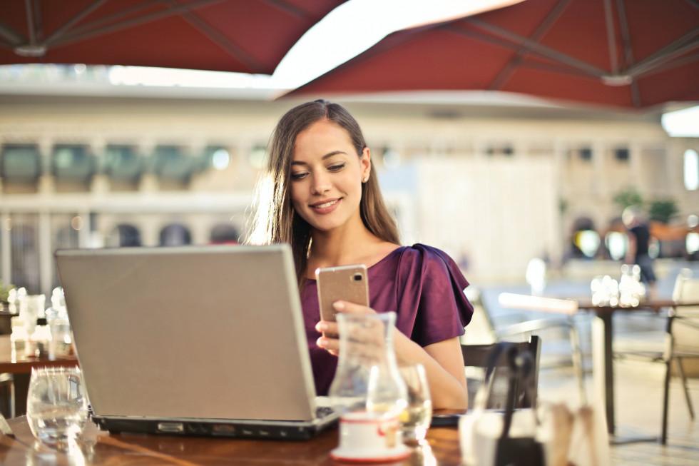 Nowe laptopy a potrzeby klientów – jak dokonać świadomego wyboru?