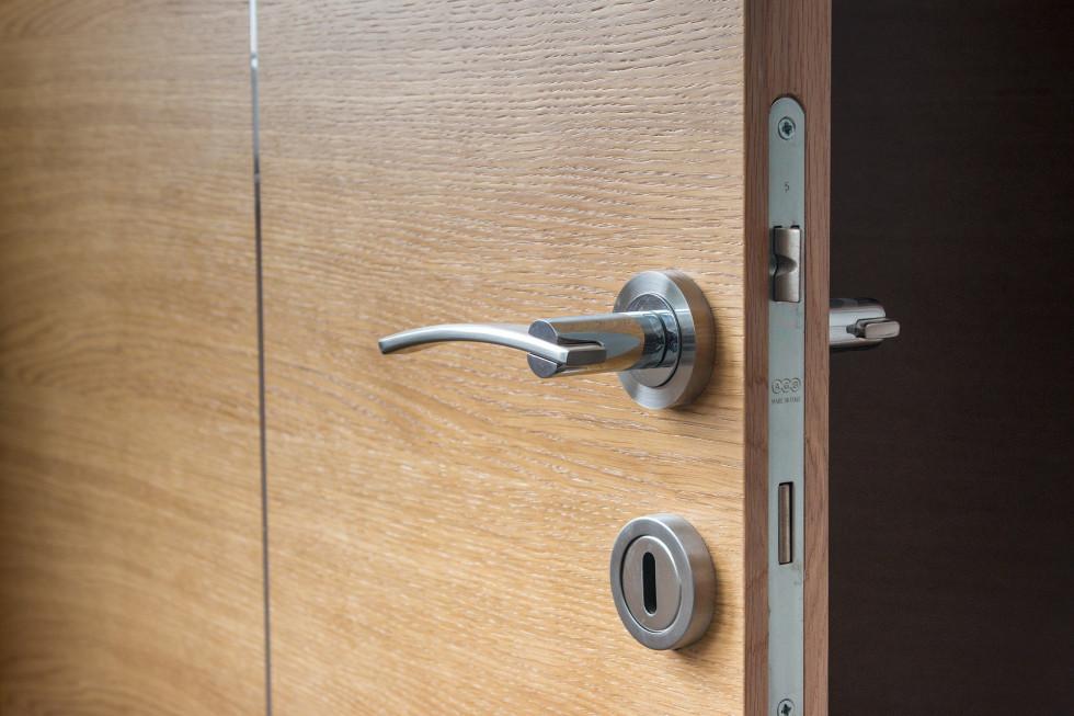 Drzwi drewniane – dlaczego to dobre rozwiązanie?