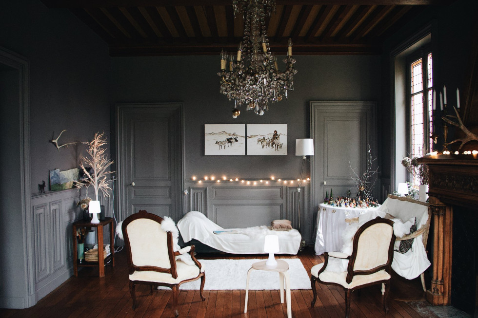 Lampy wiszące do salonu – czy to funkcjonalne rozwiązanie?