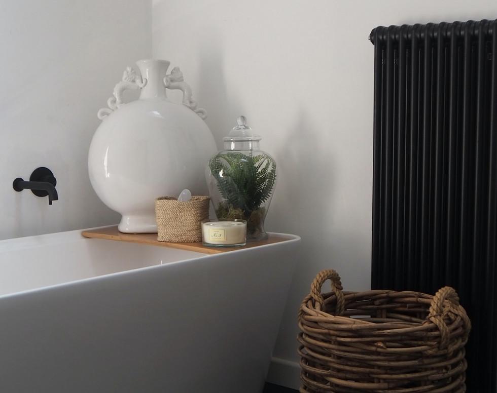Grzejniki dekoracyjne pionowe – sposób na piękną łazienkę