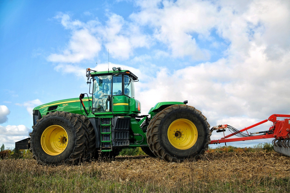 Części do ciągników rolniczych - gdzie kupować?