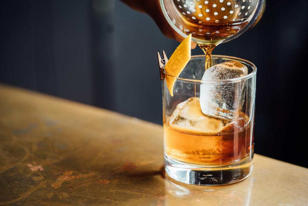 Bourbon a whisky – jak dobrze rozpoznawać te alkohole?