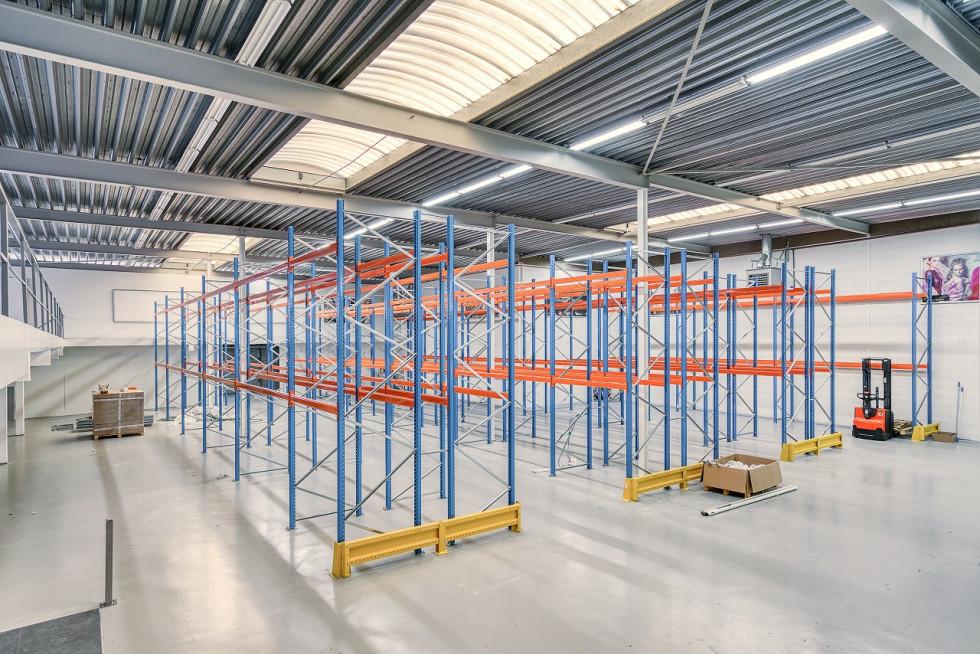 Mycie hal produkcyjnych – na co warto zwrócić uwagę zlecając usługę?