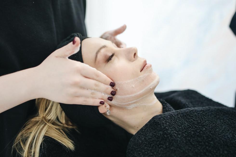 Oczyszczanie twarzy z peel mission – dlaczego warto?