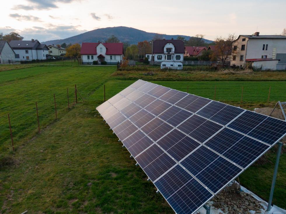 Jak działają panele solarne? Wyjaśniamy