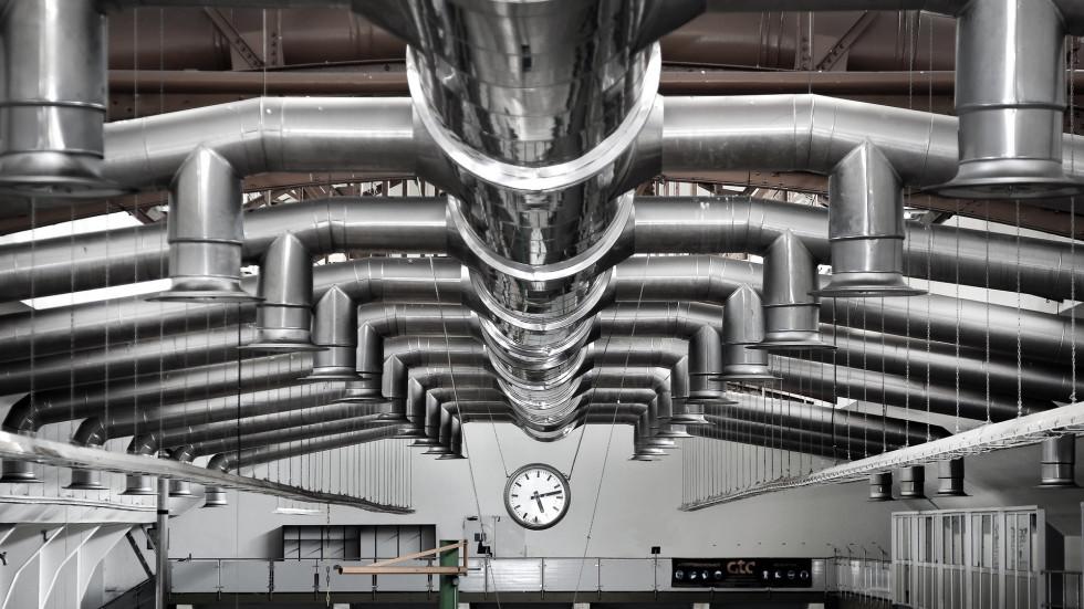 Konstrukcje stalowe – hale i ich zastosowanie w przemyśle