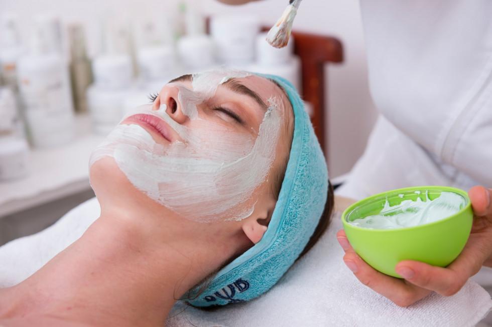 Kosmetyki profesjonalne do salonów i ich działanie