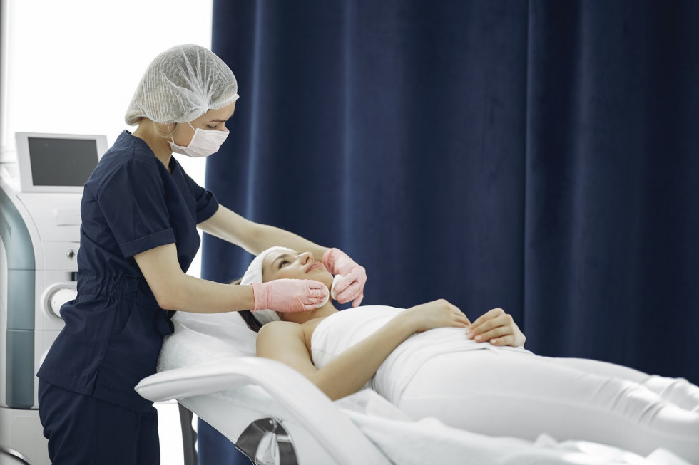 Dystrybutor medyczny – jakie sprzęty dla Twojego biznesu może zaoferować?