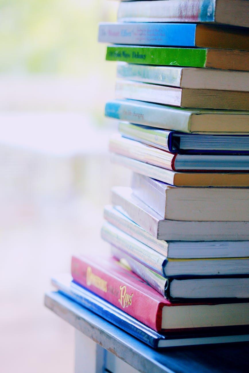 Tanie książki z antykwariatu - czyli jak dużo czytać i dbać o środowisko?