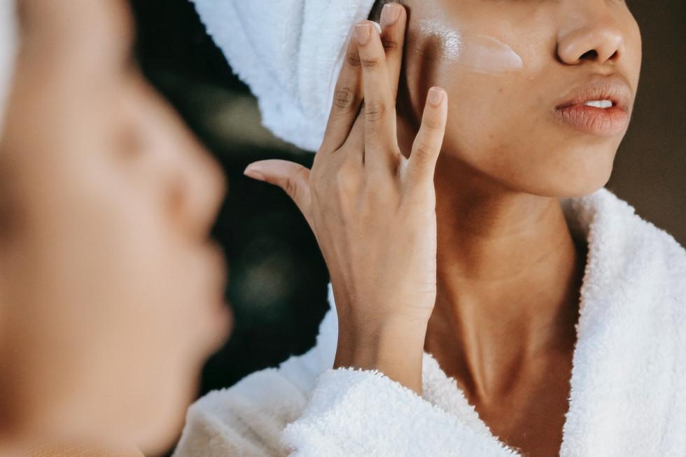 Srebro w kosmetyce – odkryj jego wyjątkowe zastosowania