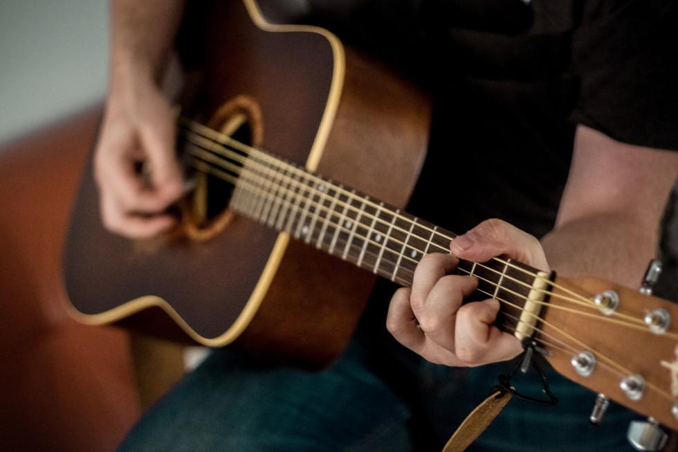 Gra na gitarze - jak zacząć by się nie zrazić