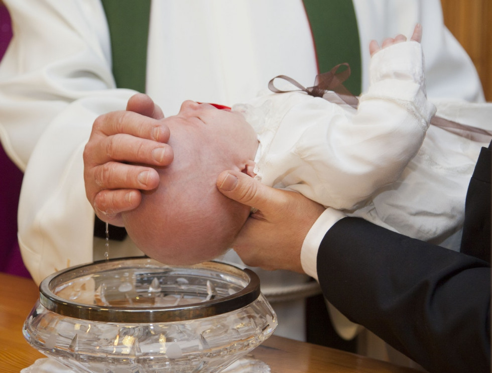 Jakie są najlepsze sposoby na organizację Chrztu Świętego?